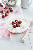 Cream vanilla pudding with strawberries