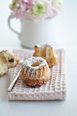 Mini Bundt cakes with icing sugar