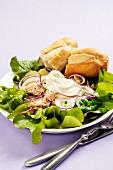 Tuna salad with a horseradish dressing