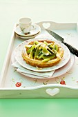 A pastry with kiwi