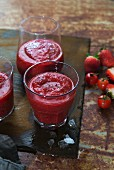 Tomato and strawberry saiquiris