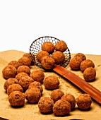 Fried meat balls with potatoes