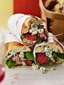 Steak sandwiches with blue cheese and spinach