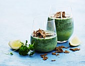 Green smoothies with parsley and wholemeal cornflakes