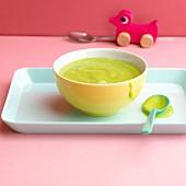 Potato and pea soup with kohlrabi