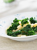 Green kale with potatoes
