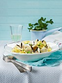 Tagliatelle with clams and white wine