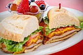 BLT sandwich with chicken