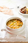 Chickpeas with vegetables and chorizo