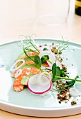 King prawns with avocado and radishes