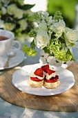 Scones with strawberries and clotted cream