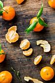 Mandarins, whole and peeled
