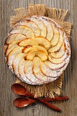 Sugared apple tart with honey