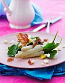 White asparagus with bacon, egg and spinach