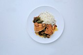 Fennel chicken with peppers, mushrooms and rice (seen from above)