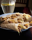 Wraps filled with minced meat, cabbage and vermicelli