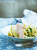 Pasta with peas and salmon