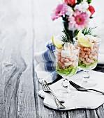 Shrimp cocktails with lemon