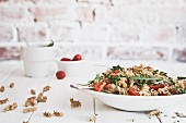 Wholemeal pasta with tuna, tomatoes and rocket