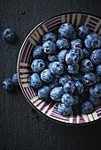 A bowl of blueberries (close up)
