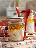 Winter muesli with oats, apricots and apples (Christmas)