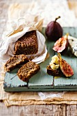 Fig bread with wheat sprouts