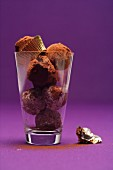 Butter and cinnamon truffles in a glass