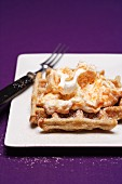 Cinnamon waffles with fruity cream