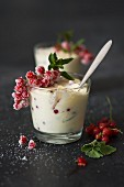 Mascarpone cream with redcurrants