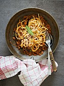 Spaghetti with ragout sauce (seen from above)