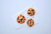 Mini tuna fish pizzas with capers