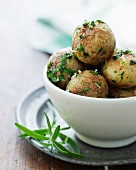Oven-roasted potatoes with garlic and parsley