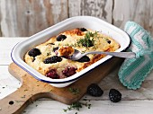 Millet bake with blackberries and thyme