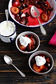 Baked plums with cream