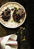 Crispy chocolates with pistachio nuts