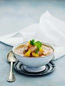 Prawn soup with curry and mango