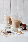 Hot cinnamon smoothies with dates