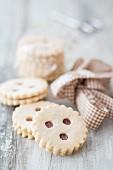 Strawberry jam round shortbread cookies