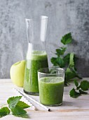 Green stinging nettle and cos lettuce smoothie with apples and grapes