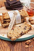 Muesli bars with almonds and dark chocolate