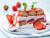 Light strawberry tiramisu