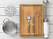 Kitchen utensils for making vegetable purée