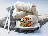 Oriental wraps filled with vegetables and chicken