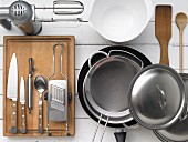 Kitchen utensils for preparing a foamy vegetable omelette