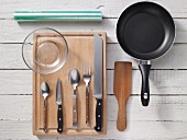Kitchen utensils for preparing scrambled egg