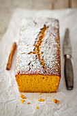 Pumpkin cakes with cinnamon and icing sugar
