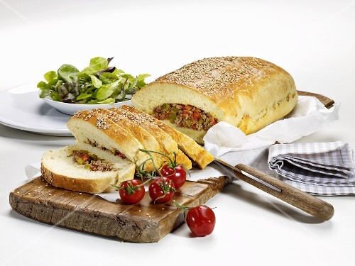 Bread filled with minced meat