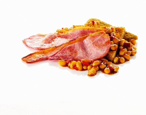Fried bacon, toast and beans