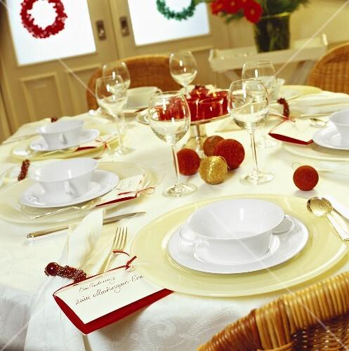 festlich gedeckter tisch zum martinsgans essen bild kaufen 862387 stockfood. Black Bedroom Furniture Sets. Home Design Ideas