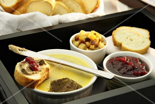 Chicken and port pastries with cranberry compote and bread